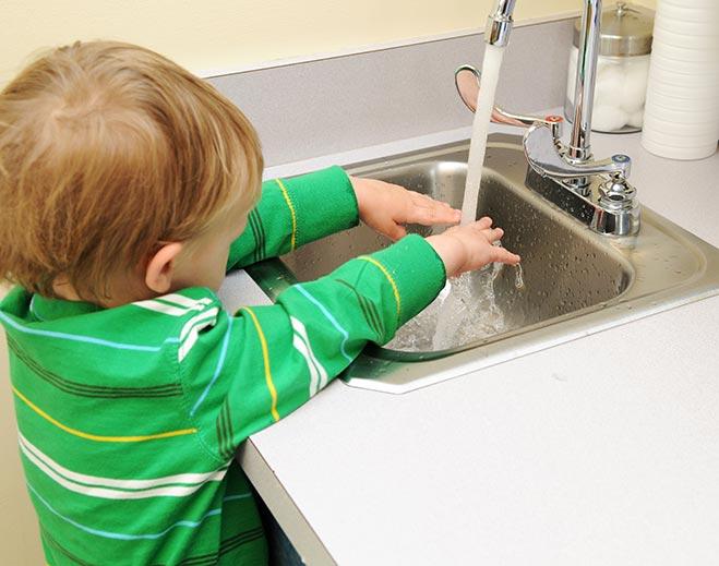 child-washing-hands/